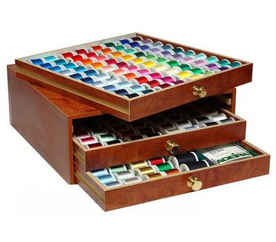 Большой набор вышивальных ниток Madeira Rayon 8180H