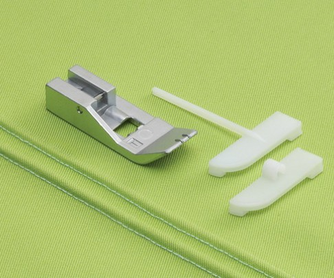 Лапка оверлочная Babylock для изготовления защипов или вшивания шнурка (арт. B5002-06A-C-E)