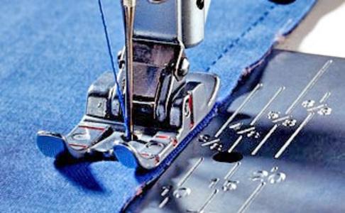 Лапка для швейных машин Pfaff для пэчворка и квилтинга с отметками через 1/4 дюйма (арт. 820211-096)