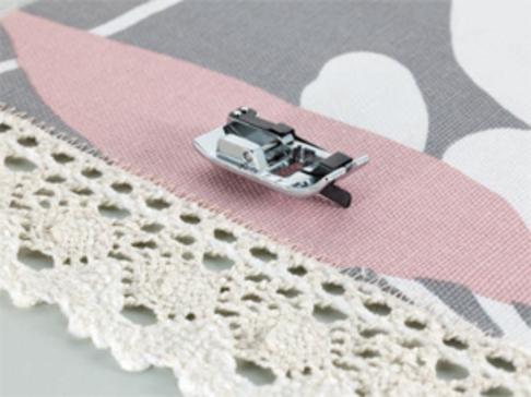 Лапка для швейных машин Brother для шитья по краю и встык (арт. F056N)