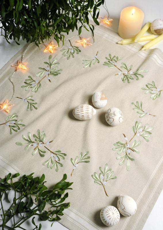 """Набор для вышивания Royal Paris: скатерть """"Mistletoe"""" 80*80см"""