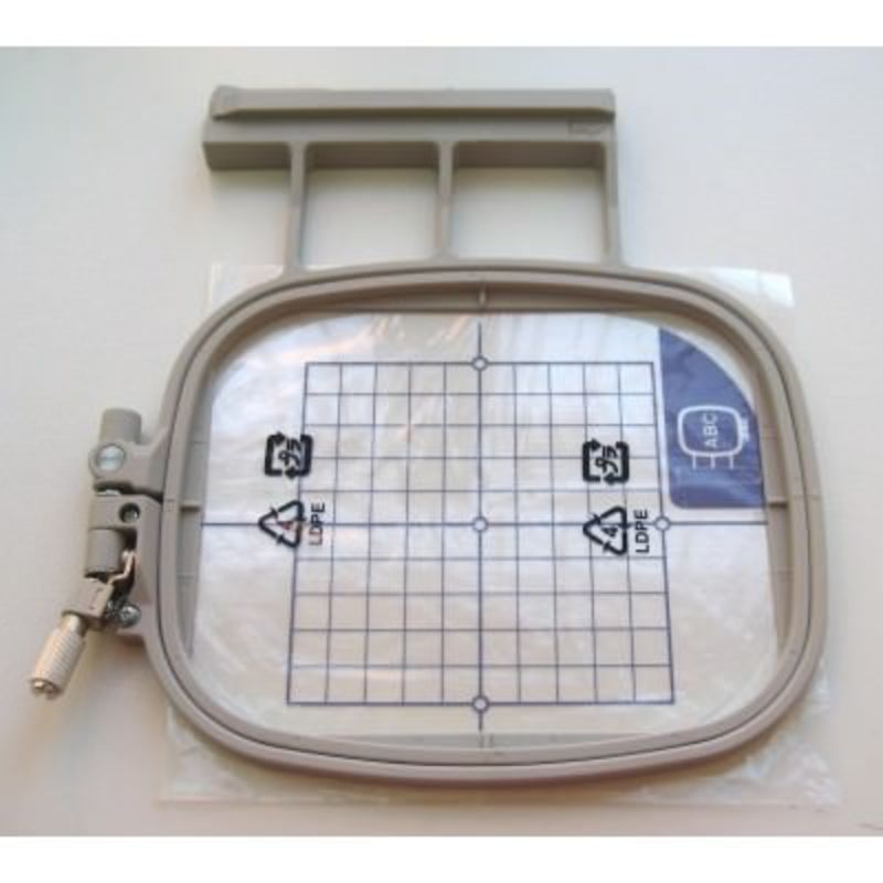 Можно использовать на моделях: Innov-is 1500, 1500D, NV-1e, NV-1,V5, V7, V3 Размер пялец 100*100 мм (4*4 дюйма) арт. ХС8480152 (EF74)