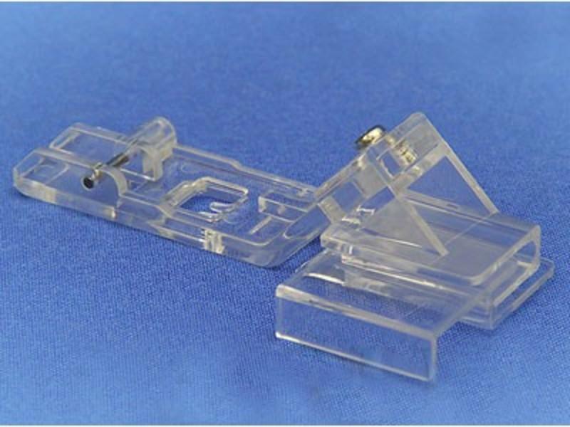 Прозрачная лапка Merrylock для пришивания и кружевных лент с подгибкой края материала H10853B