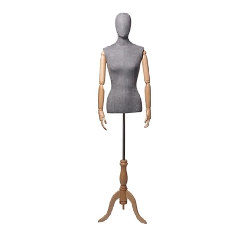 Женский абстрактный манекен с деревянными руками