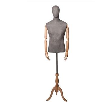 Мужской манекен с деревянными руками